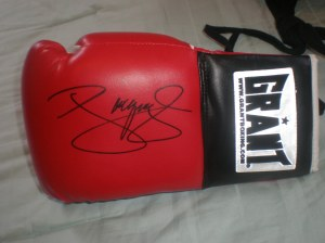 Manny pacquiao Rare Grant Autographed Glove at www.substancecollectables.com